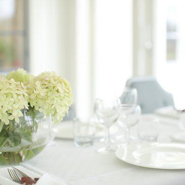 Interiörbilder från matsal i fin miljö
